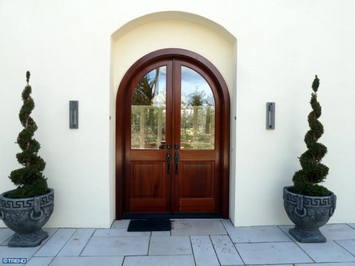 Cool Front Doors That Make A Good First Impression