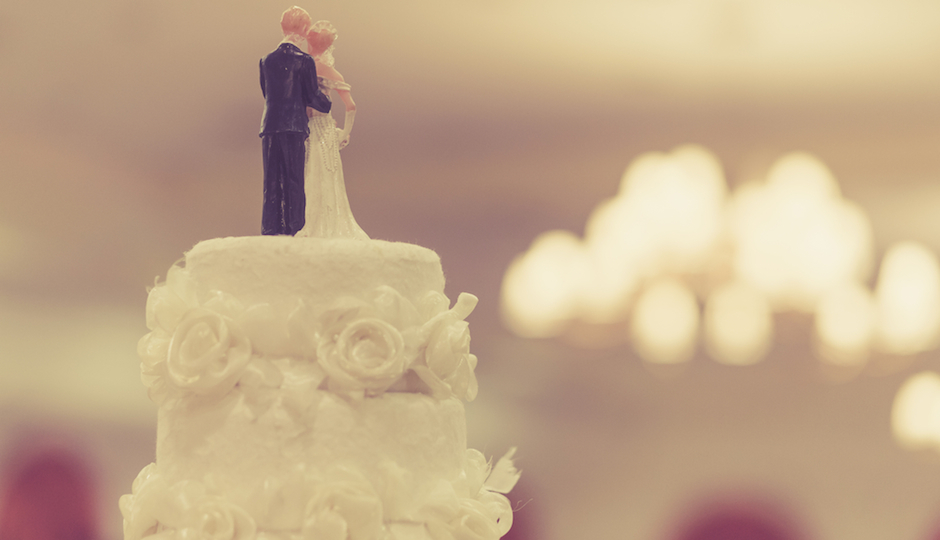 9 Tips for Freezing—and Defrosting—Your Wedding Cake for Your First ...