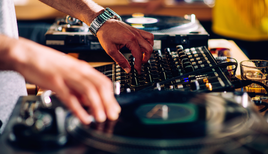 Ask These 10 Questions Before Hiring Your Wedding Band Or DJ Philadelphia Magazine