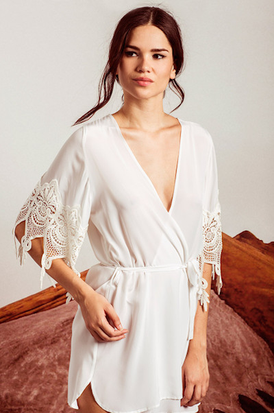 10 Pretty Getting Ready Bridal Robes To Wear The Morning Of Your Wedding