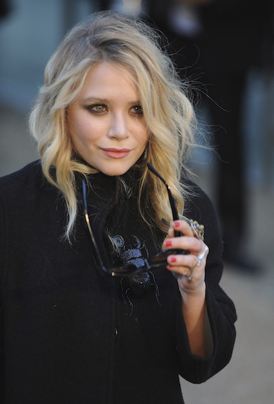 At Last We Get A Good Look Mary Kate Olsen S Wedding Rings Philadelphia