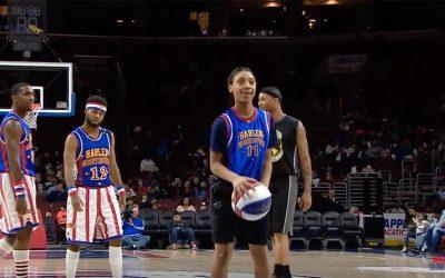 Mo'ne Davis playing with Harlem Globetrotters