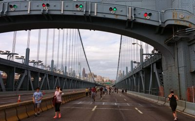 Ben Franklin Bridge - no cars, all walkers