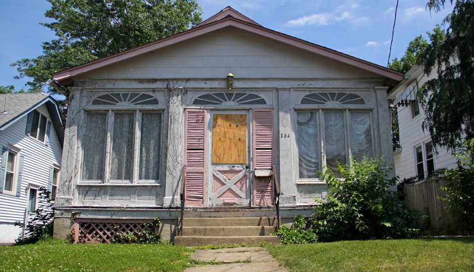 Collingswood Borough officials hope buyers will flip over the abandoned homes they're buying and restoring to stop blight before it spreads. | Photo: Emma Lee/WHYY