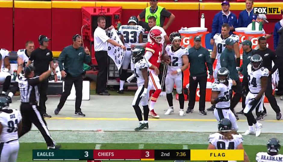 New Eagles cornerback Dexter McDougle made quite the first impression on Sunday  after television cameras caught the fourth-year pro peeing on the sideline  ... cd4f3bcdd