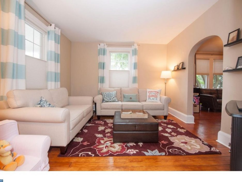 Main line monday a classic in bryn mawr for 425k for 13 x 10 living room