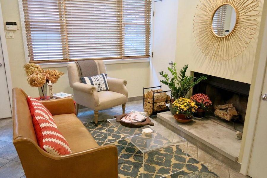 1708 Rodman St living room