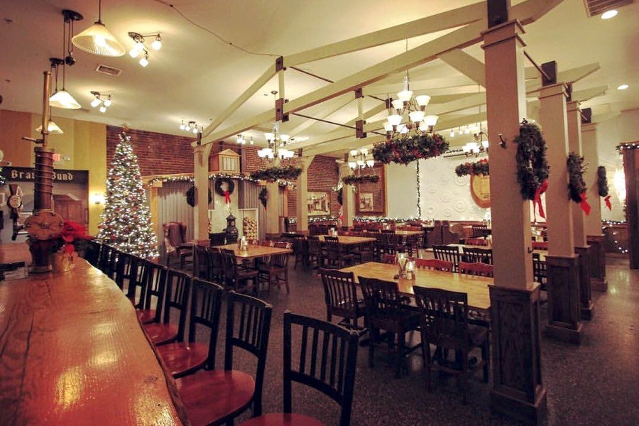 All the Philadelphia Restaurants and Bars With Christmas Decorations