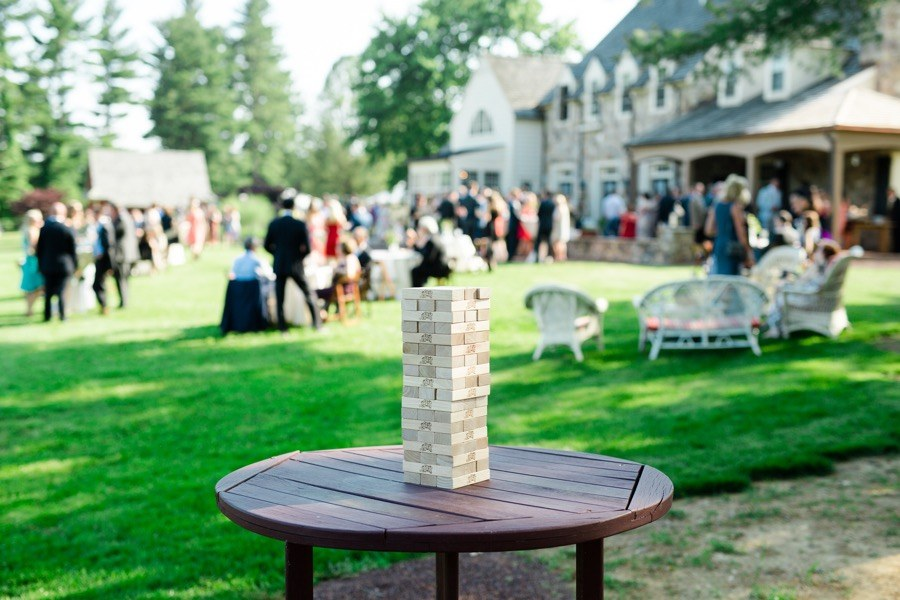 12 Ways To Entertain Guests At Your Wedding That Arent Dancing