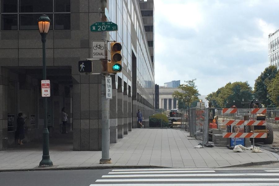bike signal, protected bike lanes