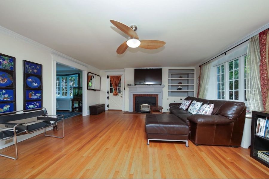 On The Market Lovely At The Top In Chestnut Hill For 665k
