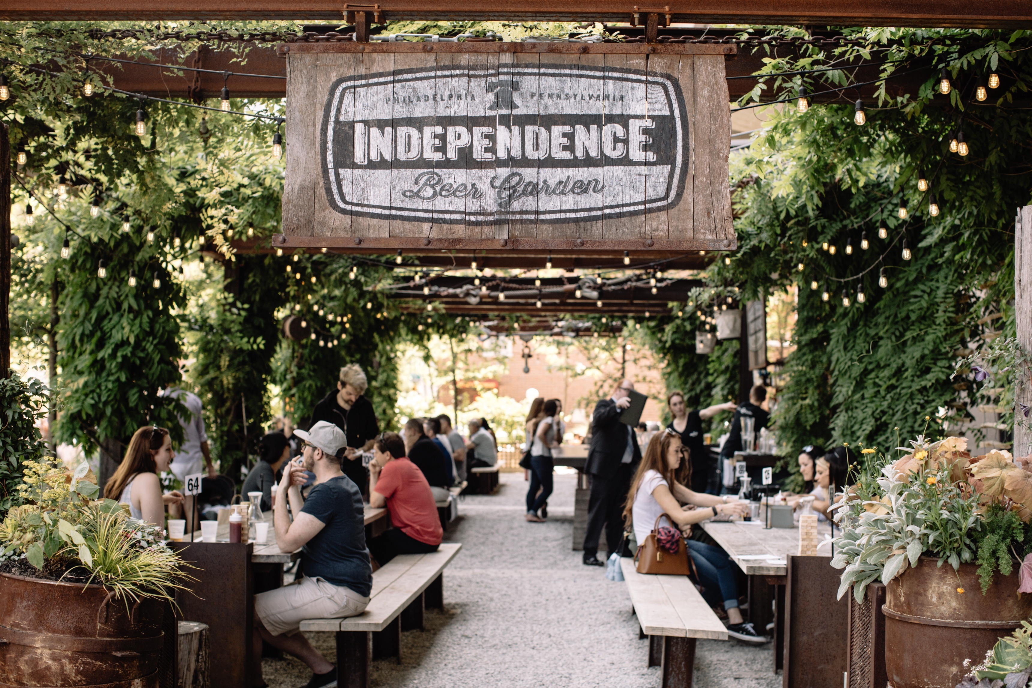 2c390e061500 Philly Beer Gardens and Breweries That Will Host Your Wedding