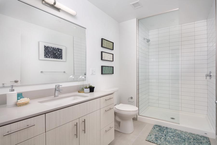lincoln square apt bathroom