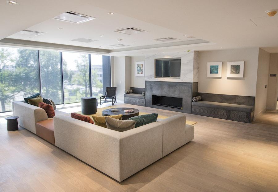 lincoln square lounge 2
