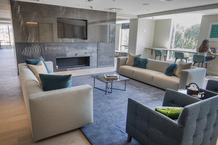 lincoln square lounge 1