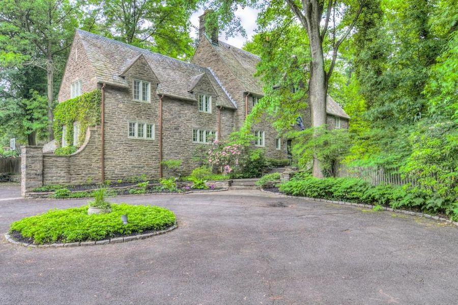 chestnut hill neighborhood guide lincoln drive manor