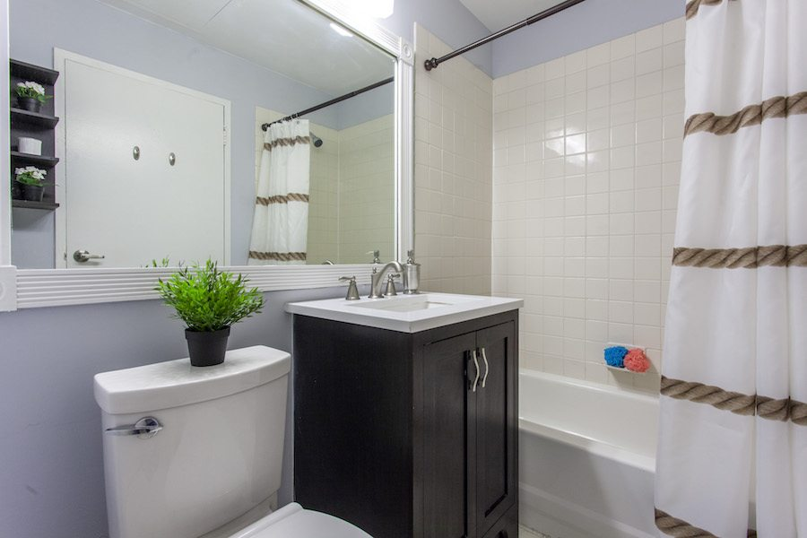 condo for sale old city bridgeview starter bathroom