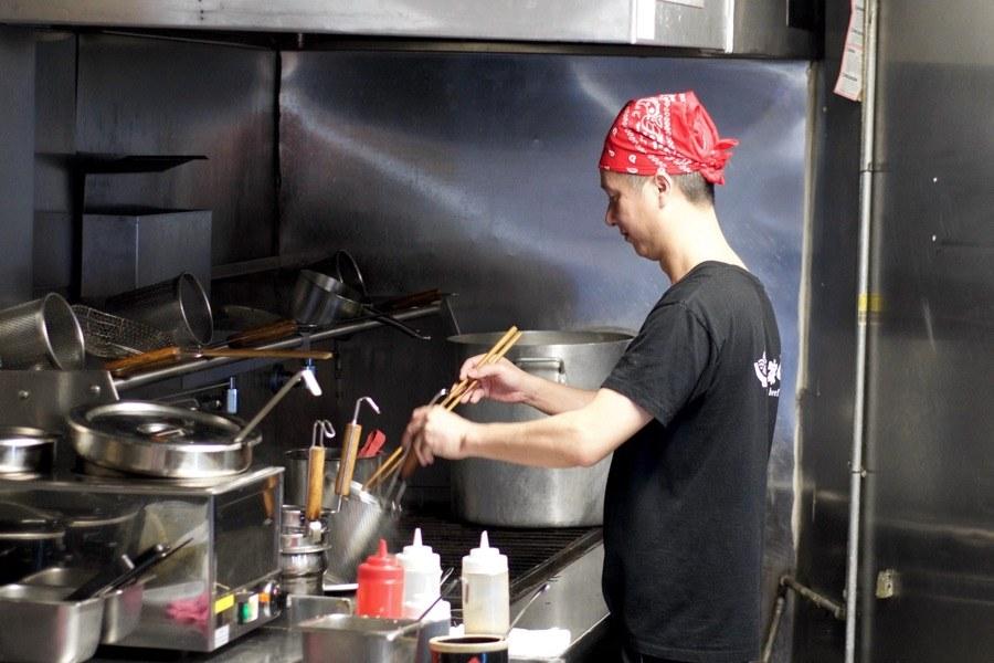 Hakka Beef House noodle chef
