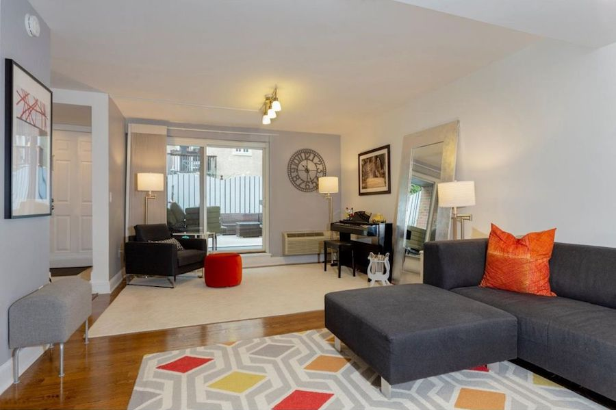 condo for sale society hill abbotts square townhouse living room