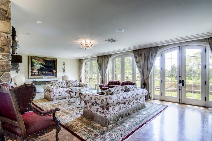house for sale villanova ardrossan farm estate carriage house living room