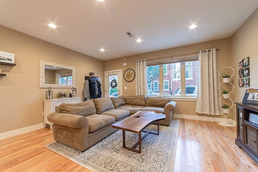condo for sale fishtown tri-level living room
