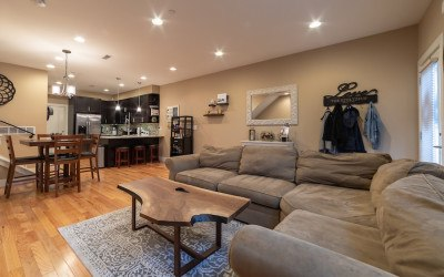 condo for sale fishtown tri-level main floor