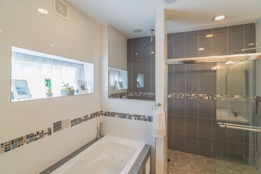 house for sale northern liberties modern townhouse master bathroom