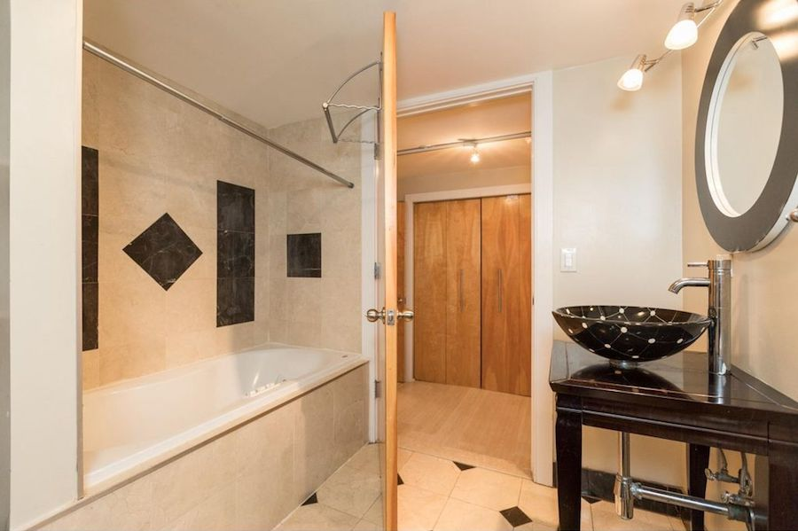 house for sale old city new condo downstairs bath