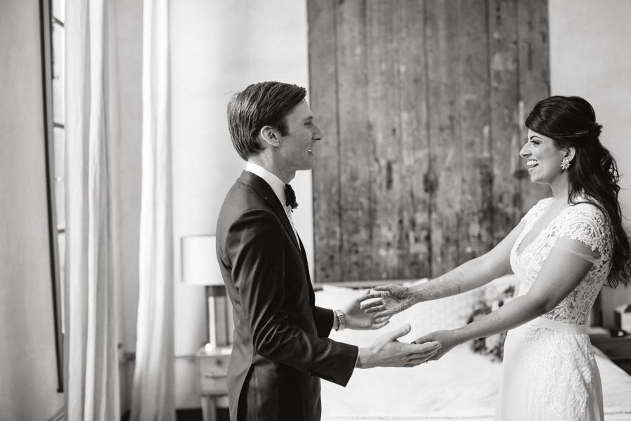 lokal-hotel-wedding-first-look