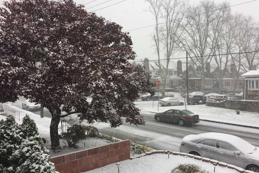 Snow in Philadelphia Leads to School Closings and Early