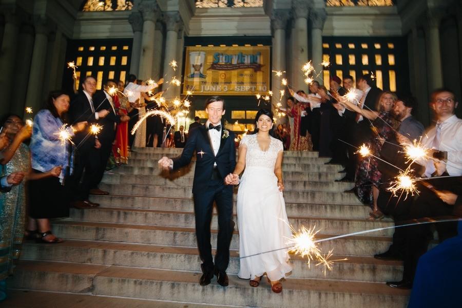 sparkler-wedding-exit