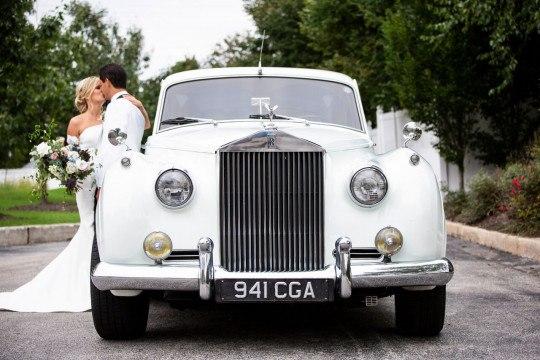 wedding-trends-vintage-car