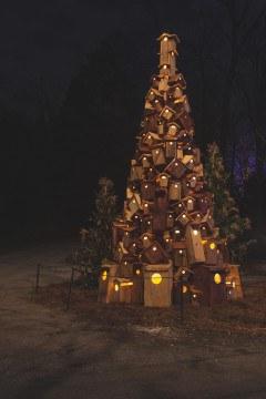 longwood-christmas-birdhouse