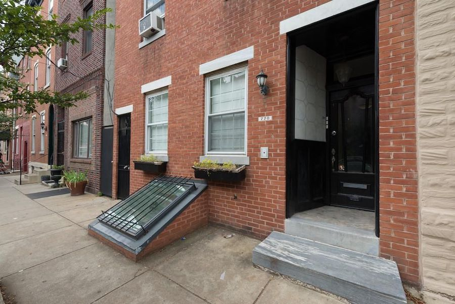 apartment for rent queen village unit with deck exterior