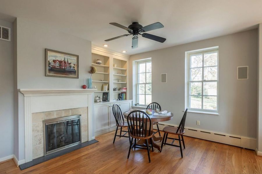 house for sale mt airy colonial breakfast area