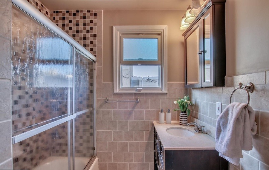 house for sale fairmount rehabbed rowhouse bathroom