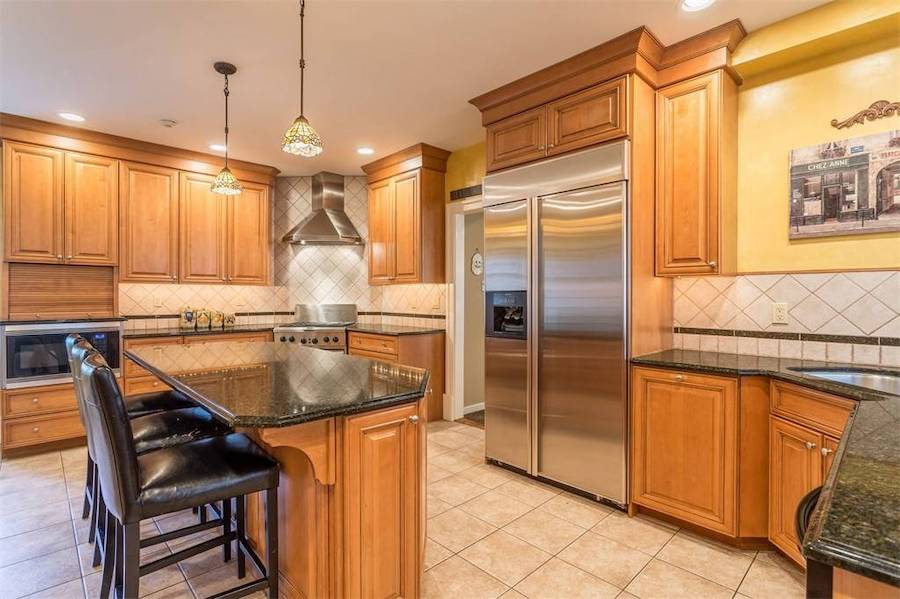 house for sale huntingdon valley colonial active lifestyle resort kitchen