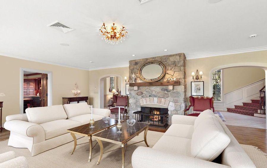house for sale villanova ardrossan stable living room