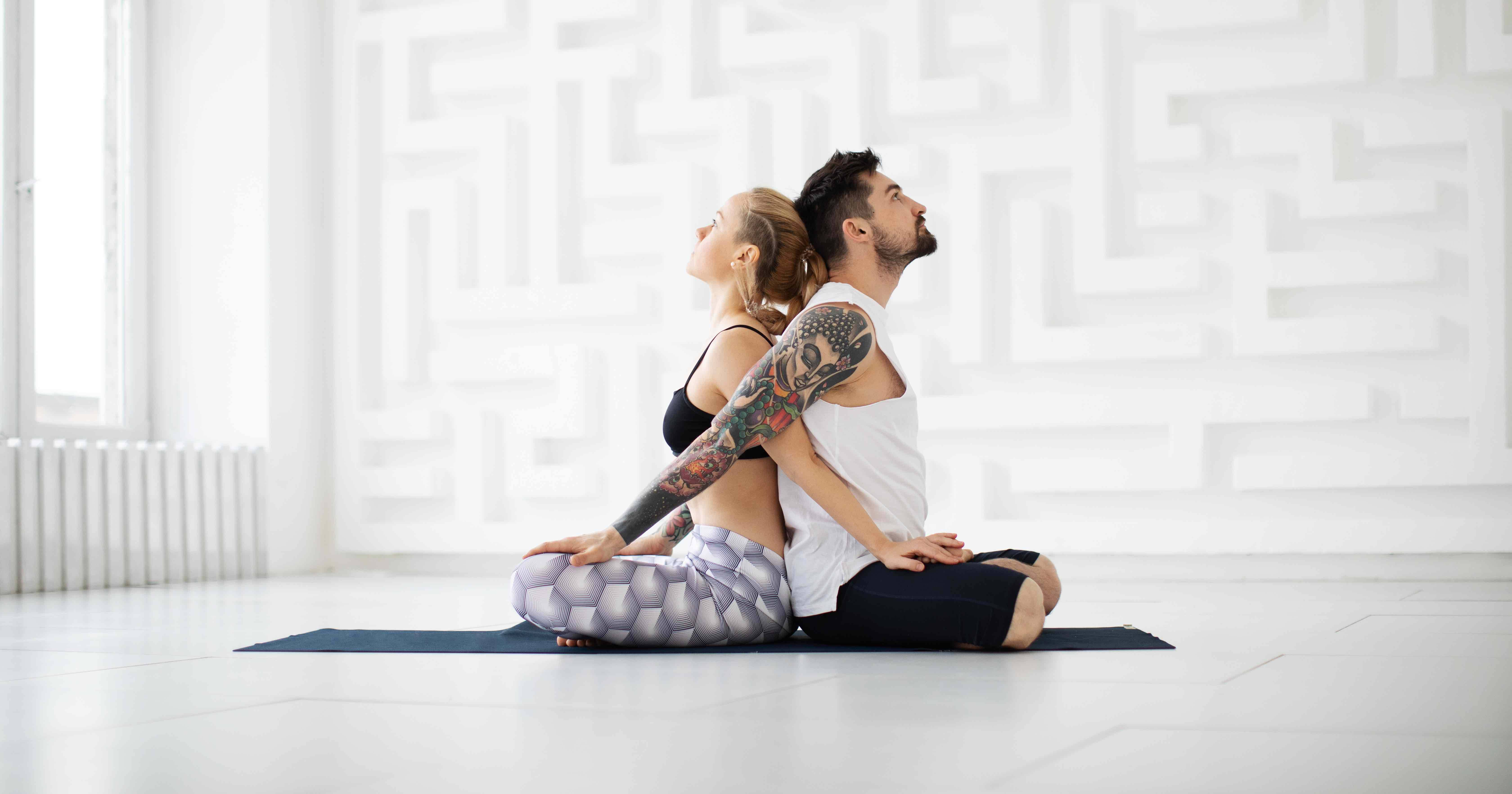 10 Places To Try Partner Yoga Around Philly This Valentine S Day