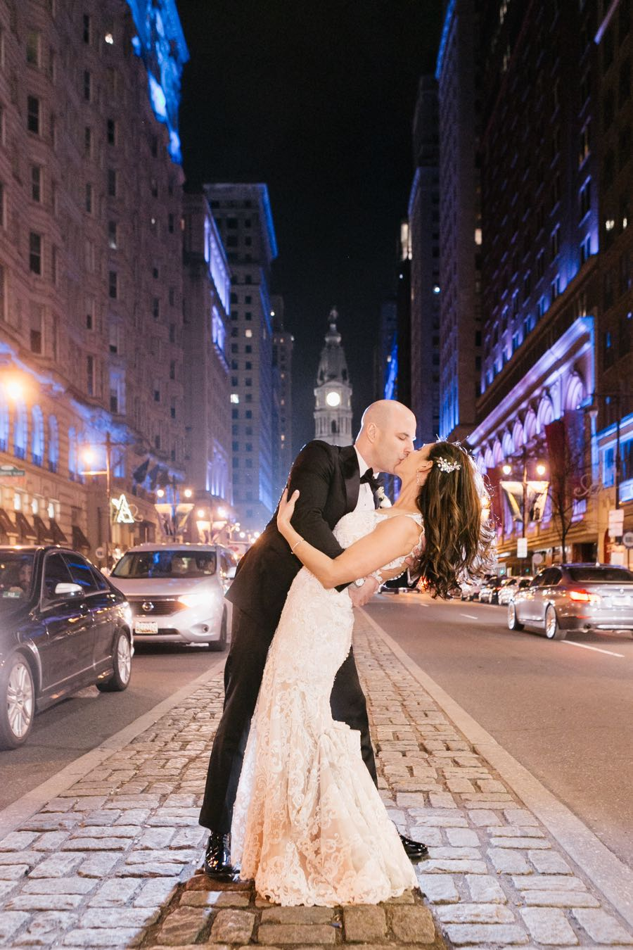 broad-street-median-wedding-photos-philadelphia