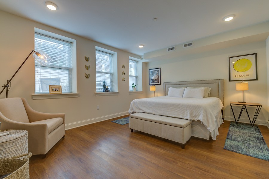 condo for sale south kensington bi-level master bedroom