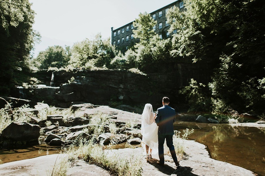 ledges-hotel-wedding-woodsy-pa-wedding-venues