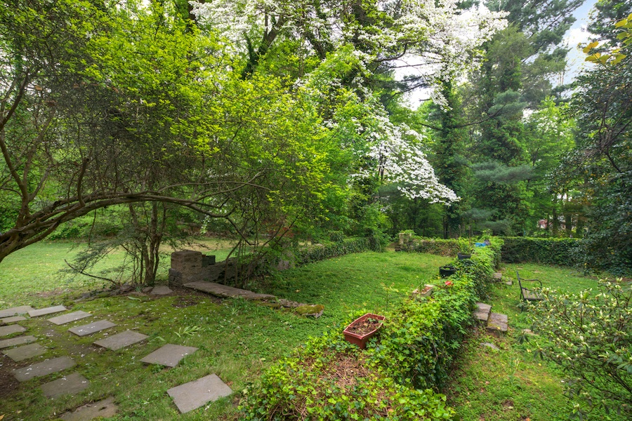 house for sale germantown moderne colonial backyard