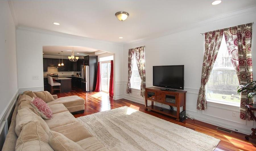 house for sale wallingford creekside colonial family room
