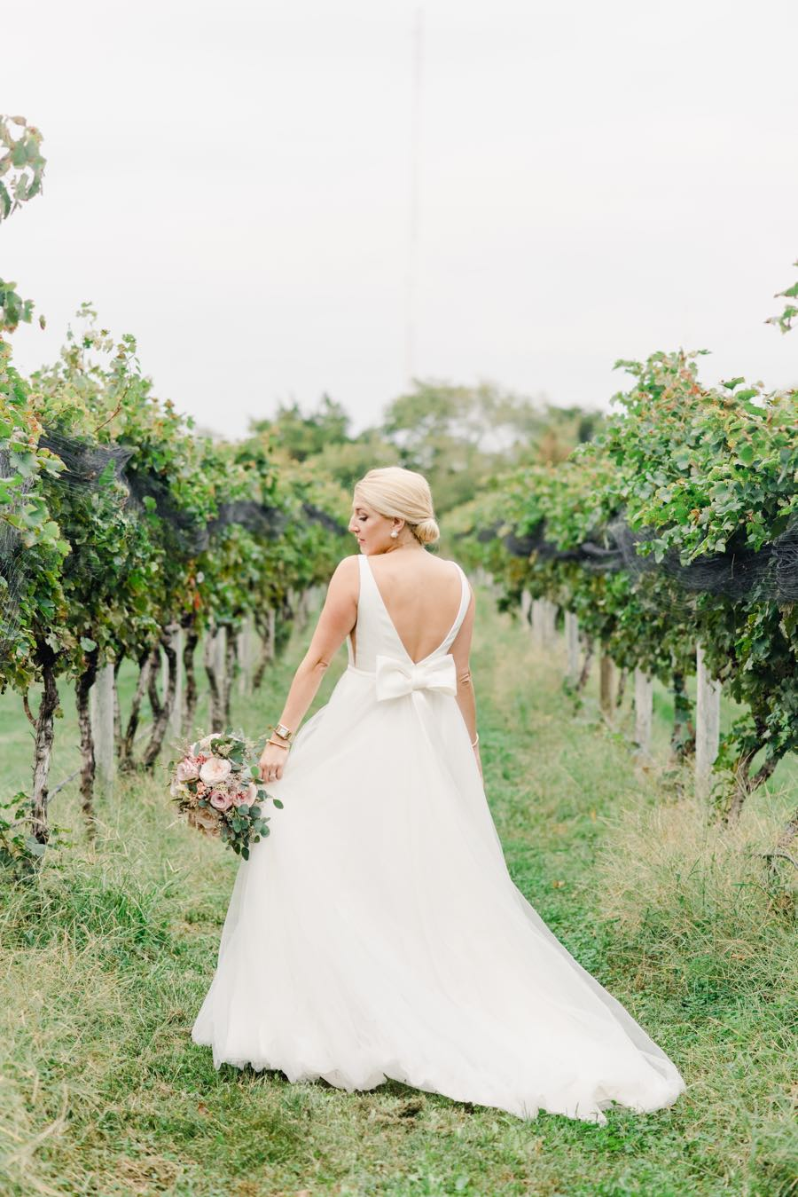 Isaac Smith Vineyard bride