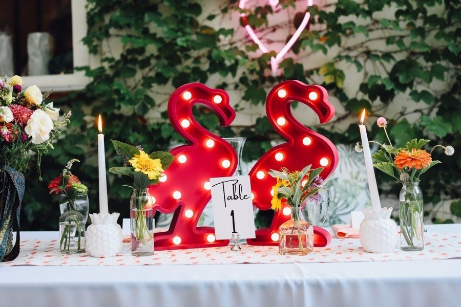 flamingo wedding decor