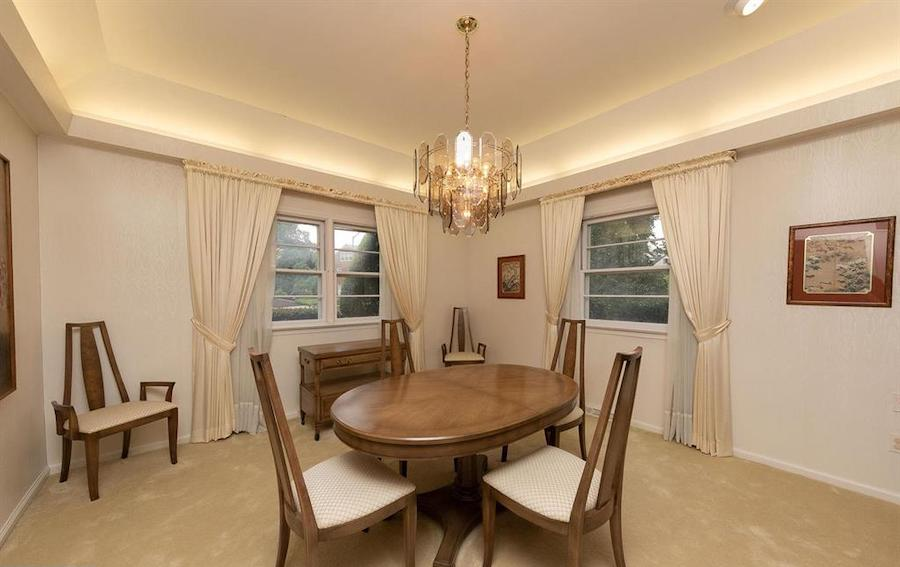 house for sale abington midcentury split-level dining room