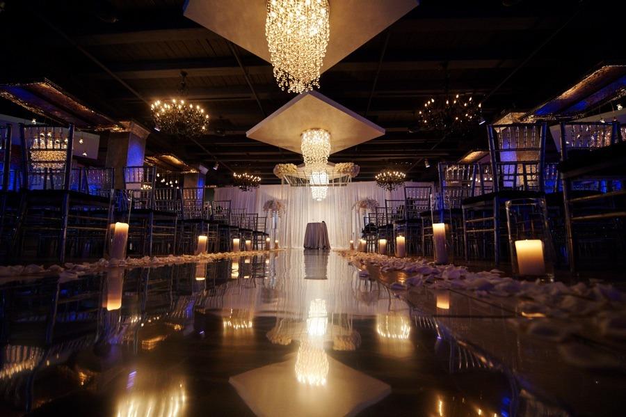 black-white-tendenza-wedding-ceremony