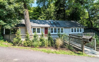 house for sale pipersville creekside cottage exterior front
