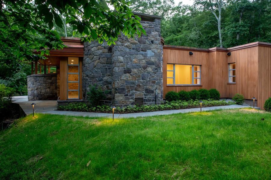 House for Sale: Midcentury Modern Hilltop House in Carversville
